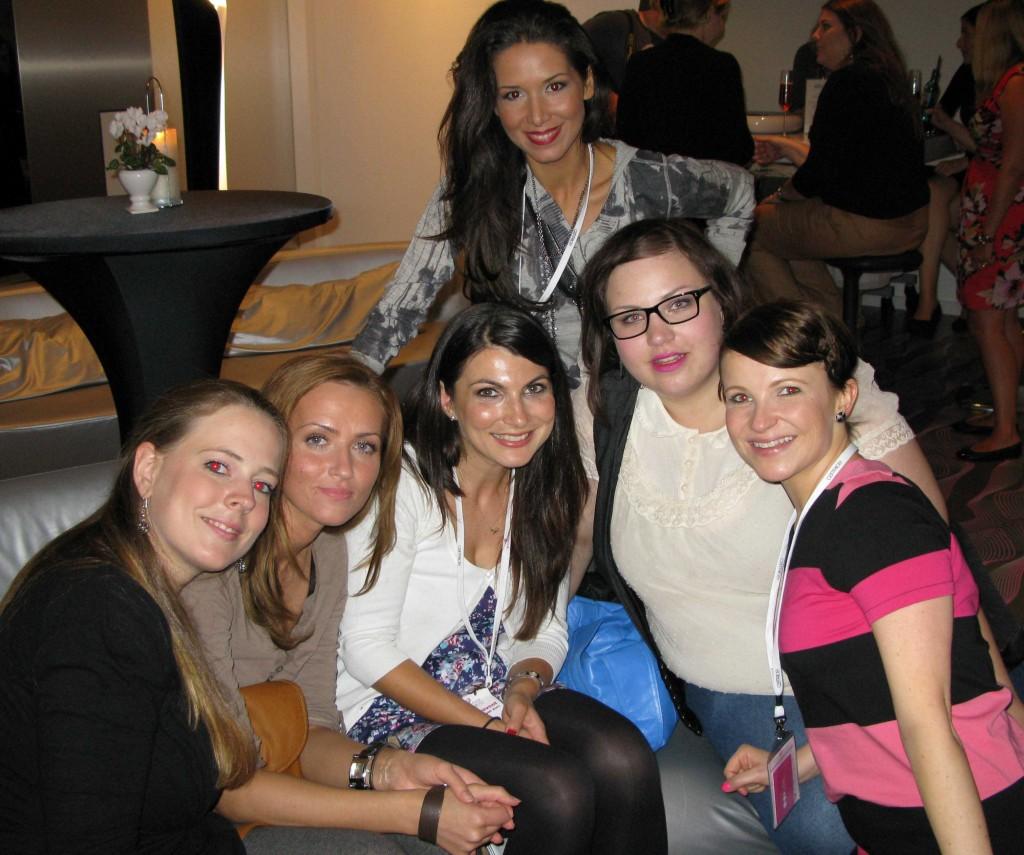 Rina, Erna, Nina, Mina, Magi & Jojo